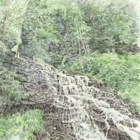 緋の滝、色鉛筆画